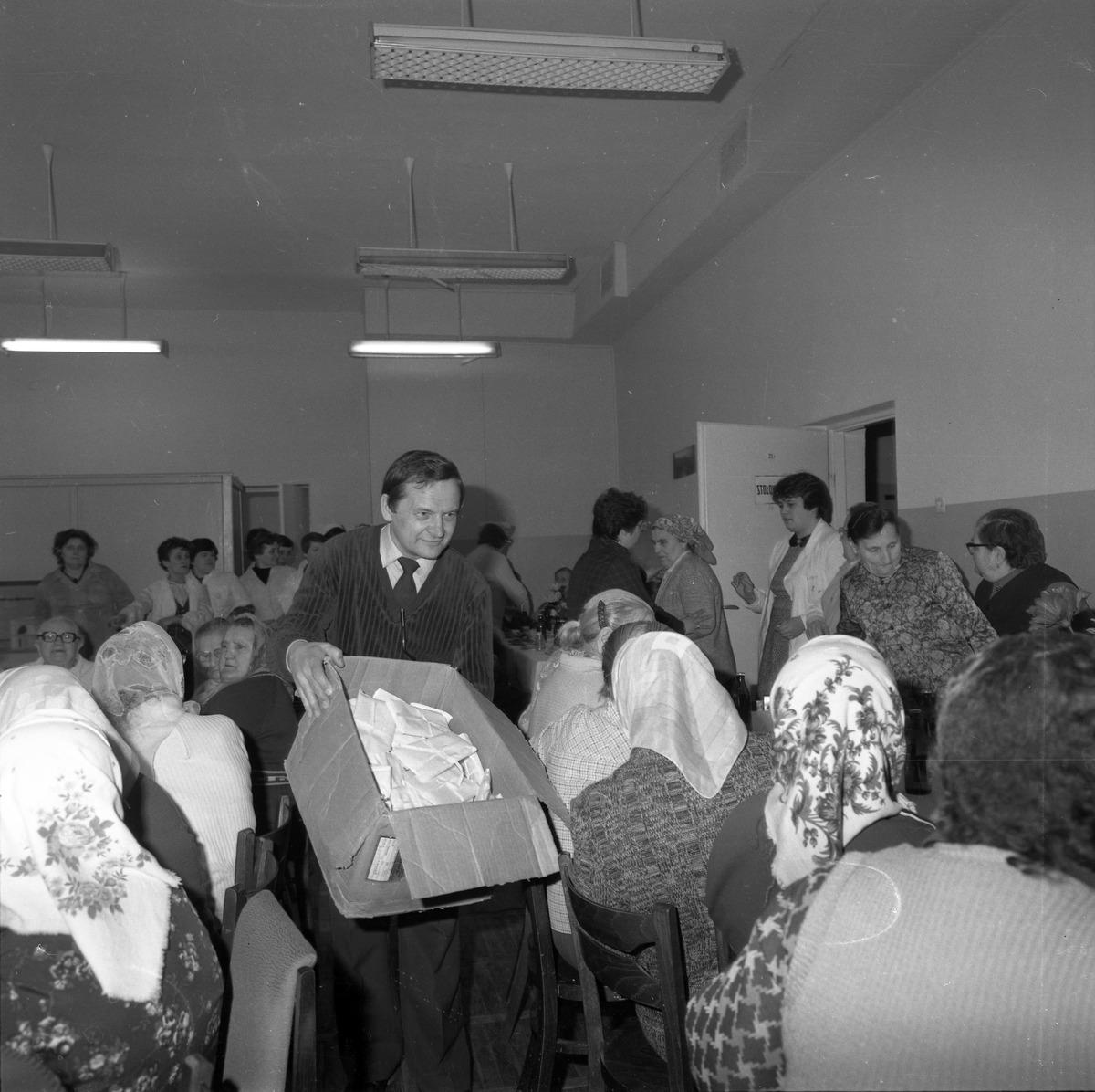 Uroczystość w DPS w Giżycku, 1984 r. [6]