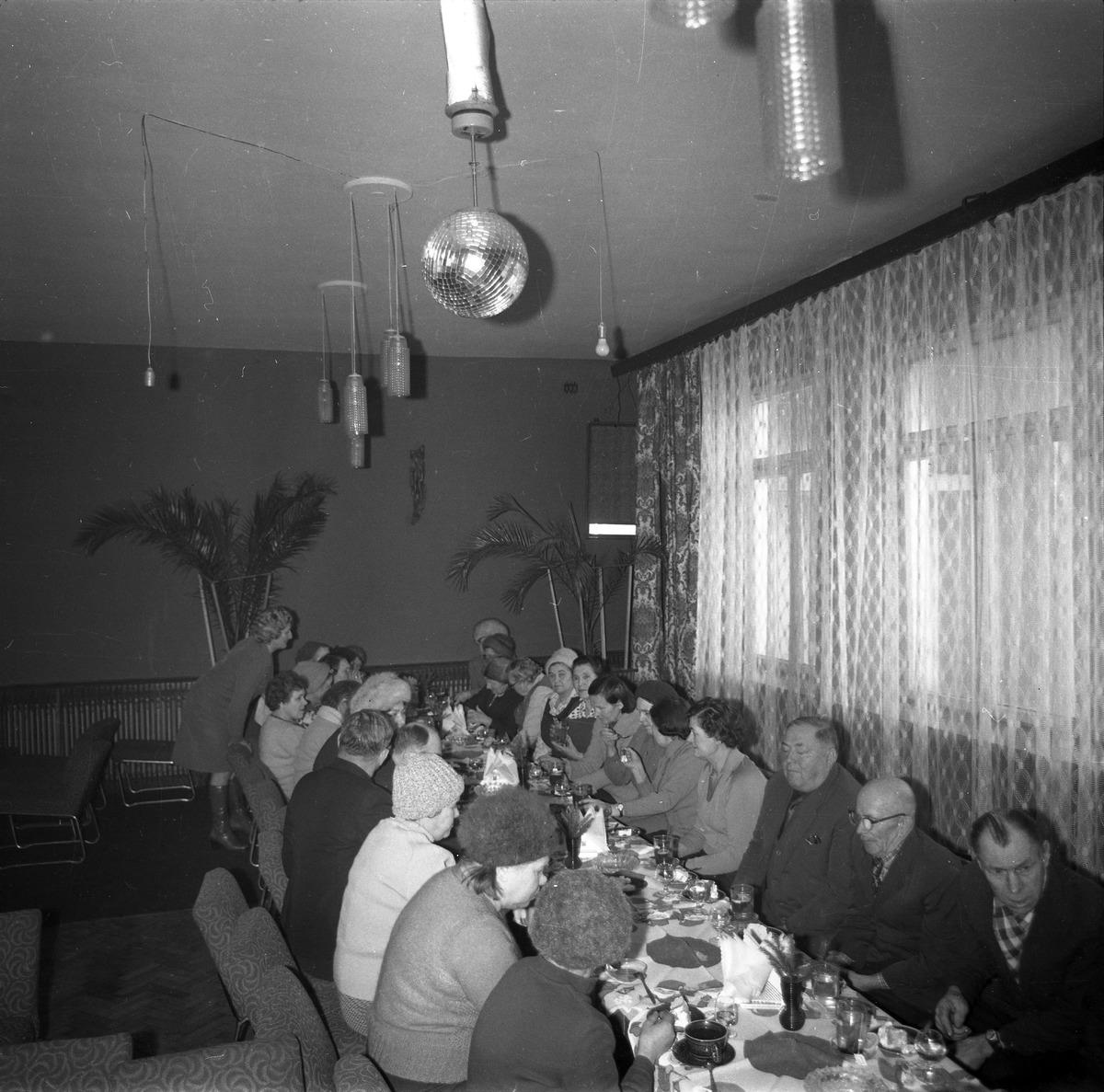 Spotkanie seniorów w kawiarni Ekran w Giżycku [1]