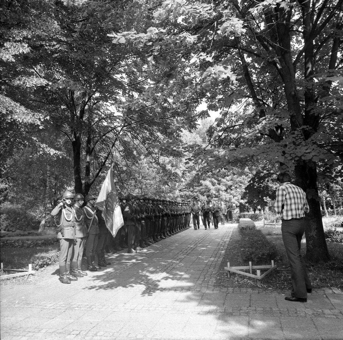 Delegacja ZSRR na cmentarzu żołnierzy radzieckich [6]