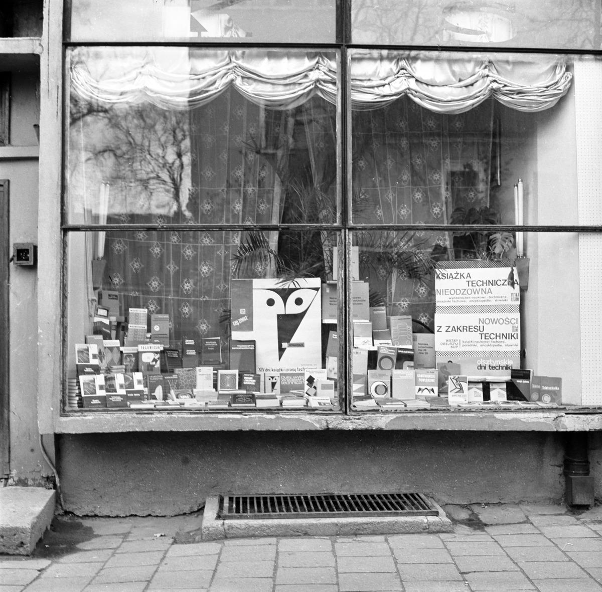 Witryna Domu Książki, 1972 r. [5]