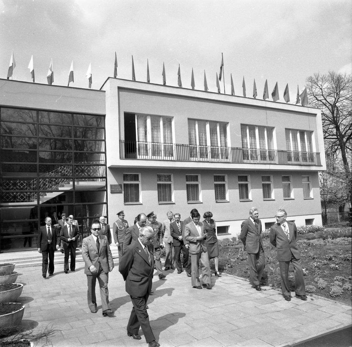 Uroczystość odsłonięcia pomnika żołnierzy radzieckich [2]