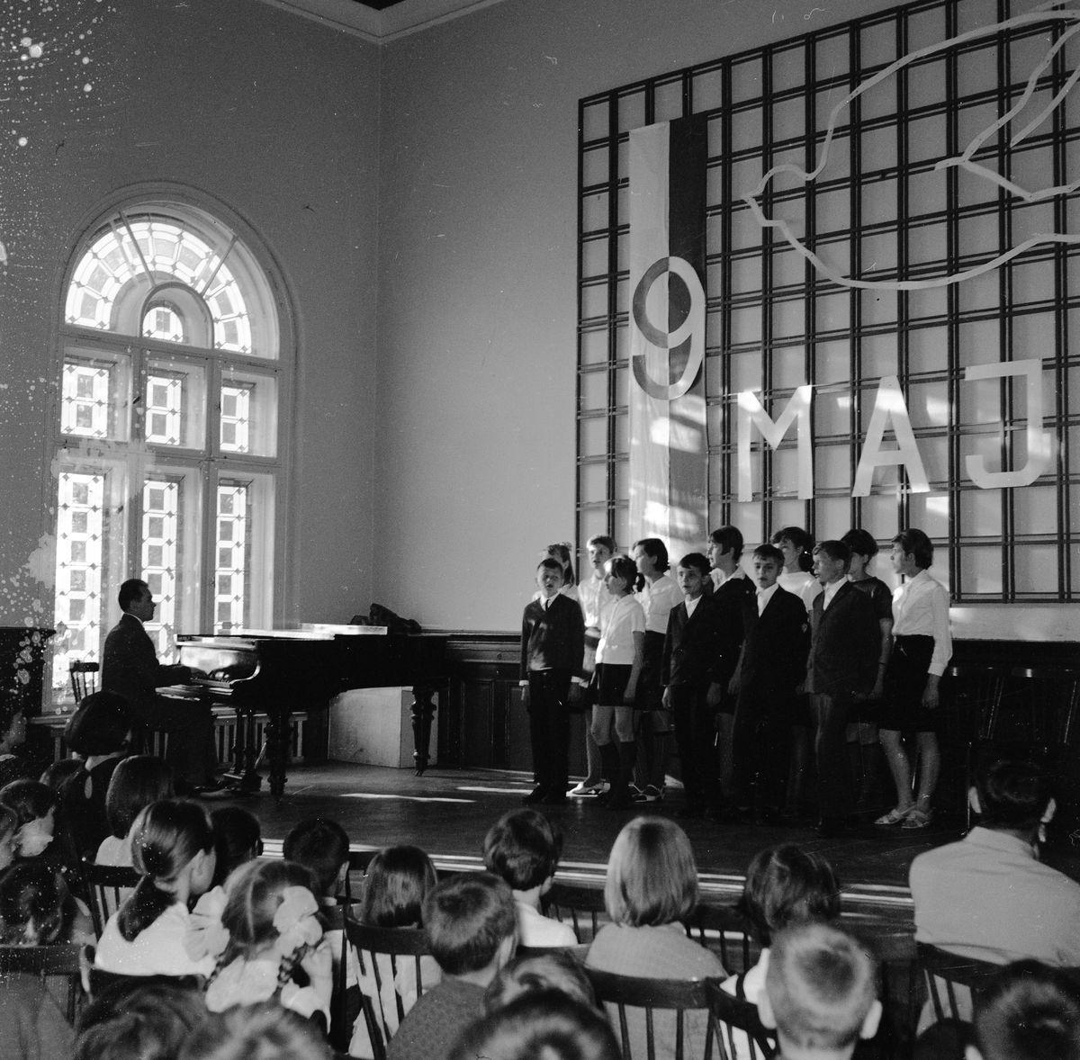 Występ uczniów szkoły muzycznej, 1967 r.