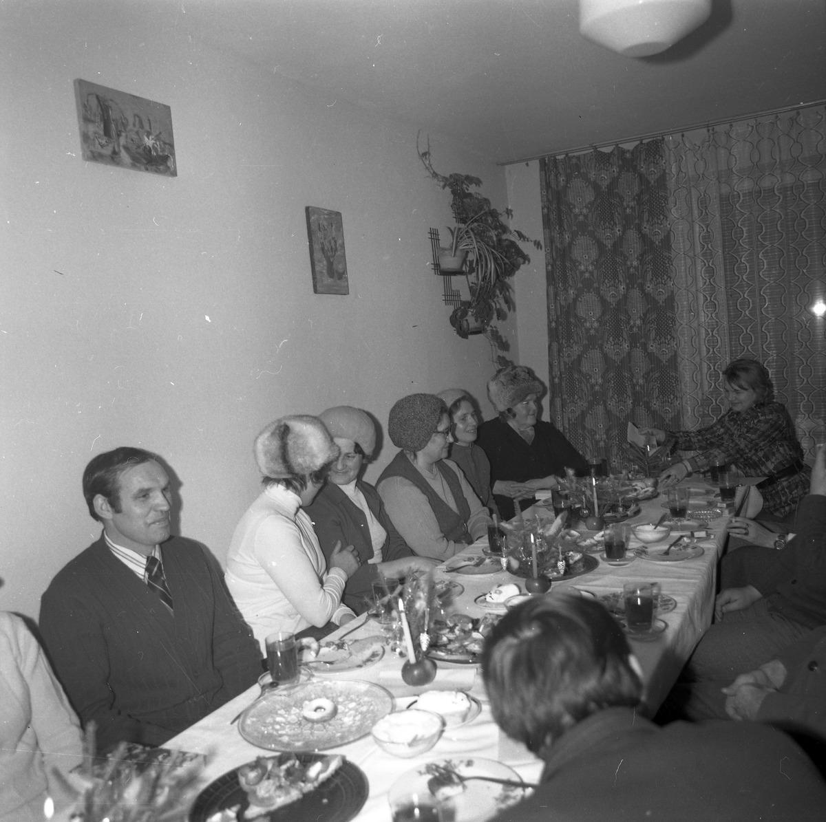 Spotkanie w klubie osiedlowym [2]
