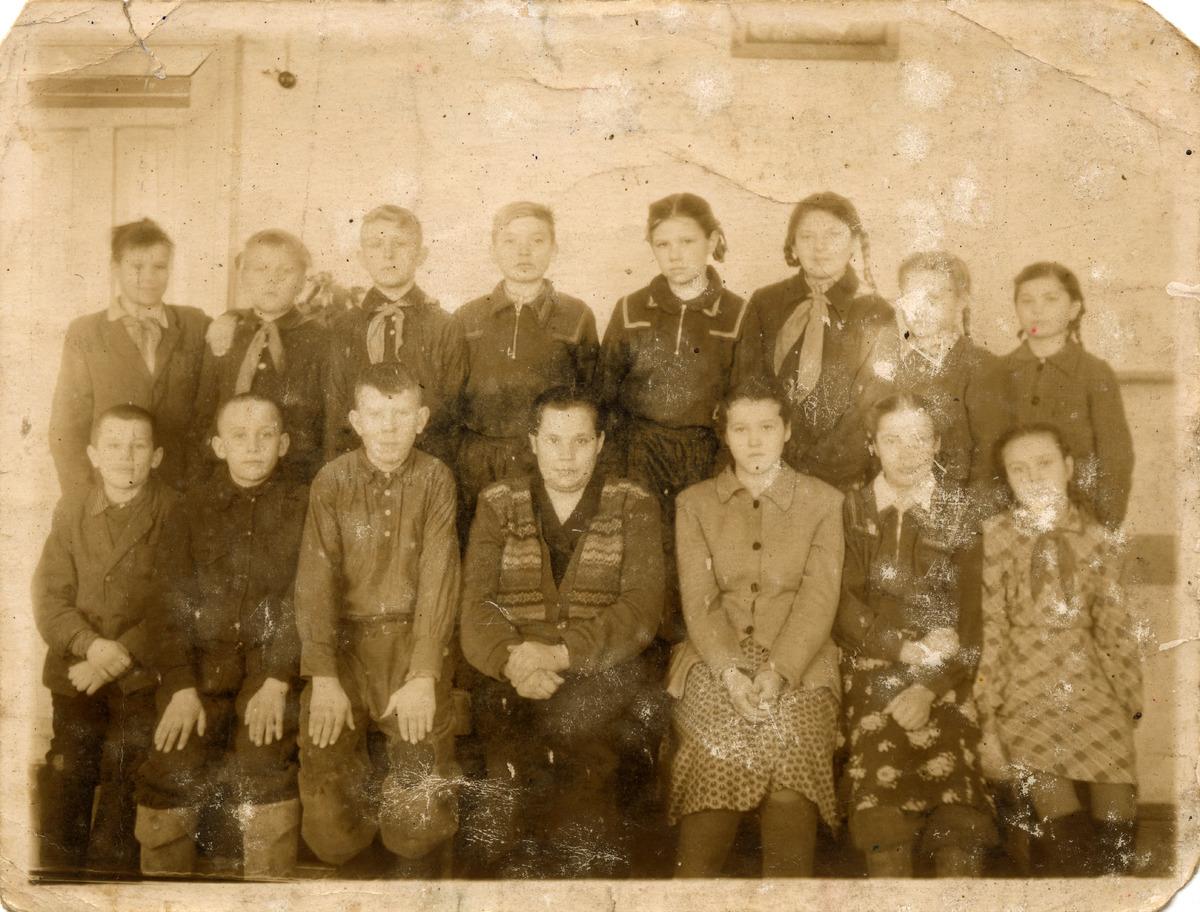 Szkoła w Sosnowce na Syberii