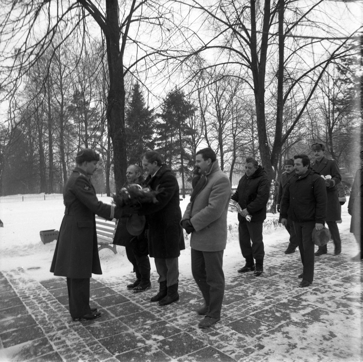 Uroczystość na cmentarzu żołnierzy radzieckich [5]