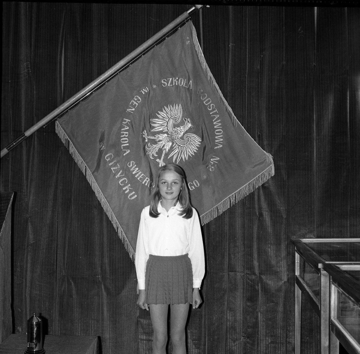 Zakończenie roku w SP nr 2, 1975 r. [5]