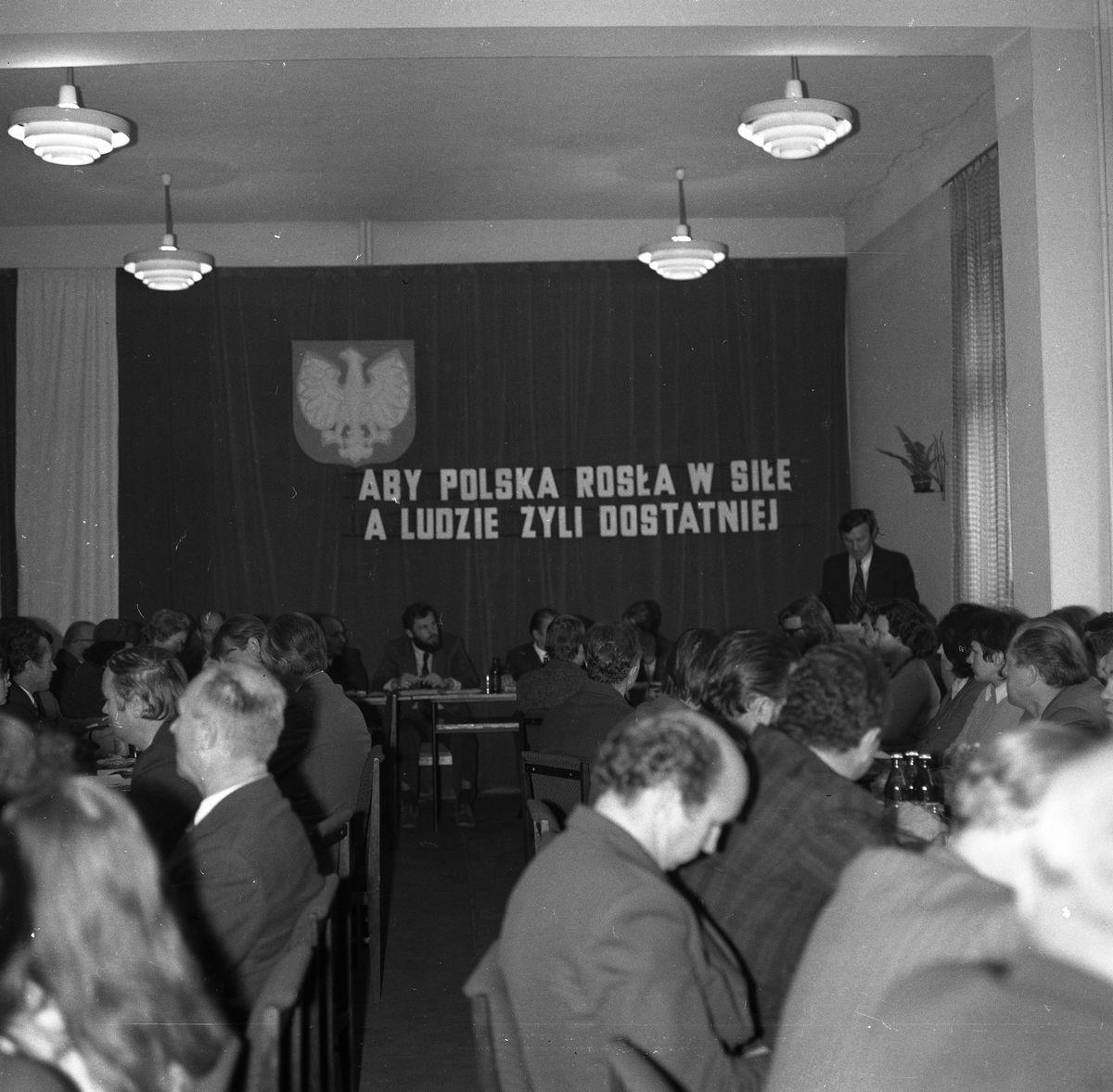 Sesja Miejskiej Rady Narodowej [7]