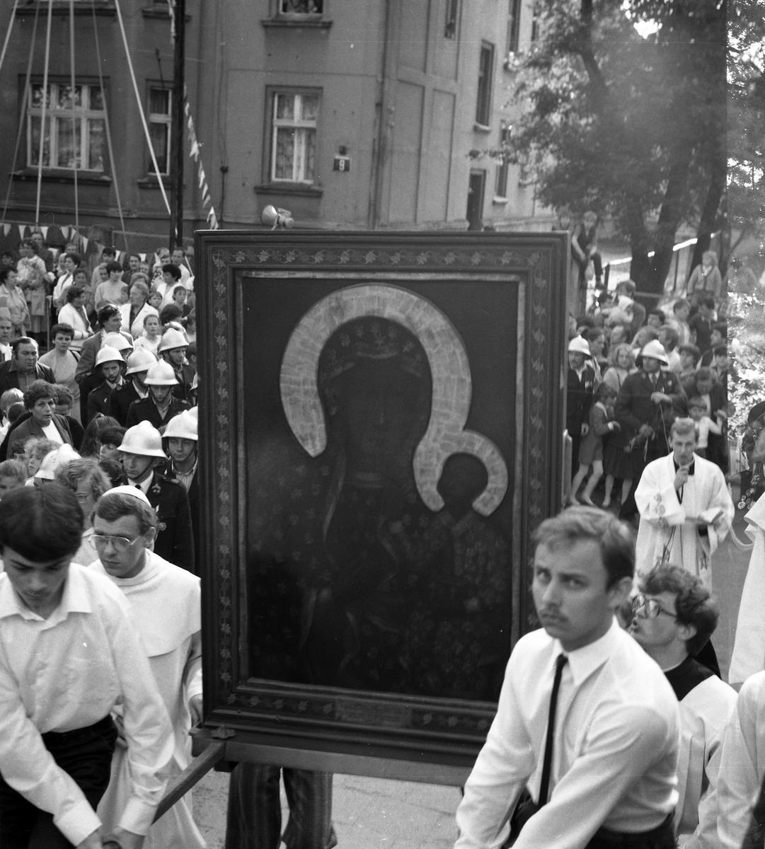 Peregrynacja obrazu Matki Boskiej Częstochowskiej w Giżycku