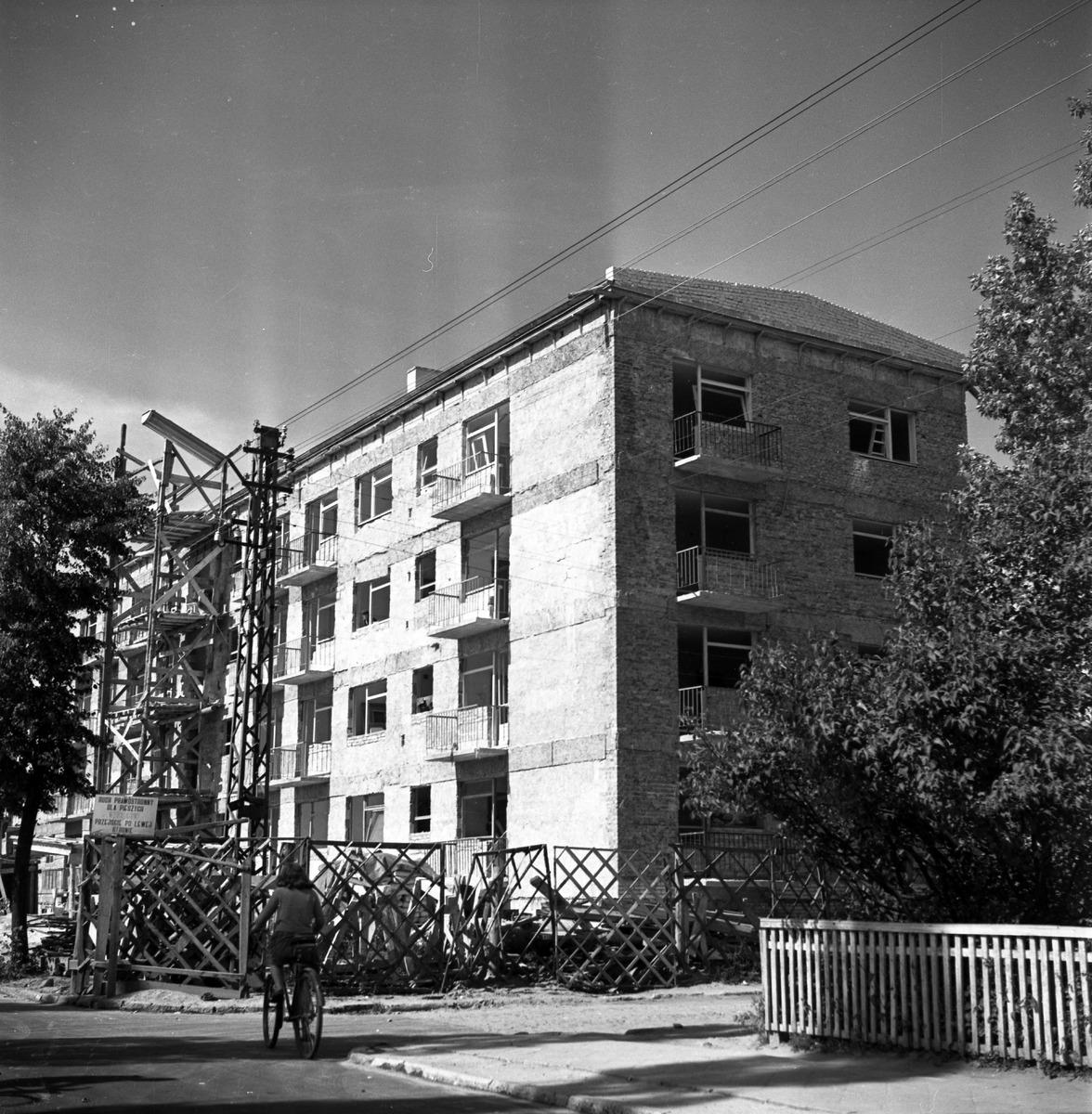 Blok przy ul. Kościuszki - prace wykończeniowe [2]