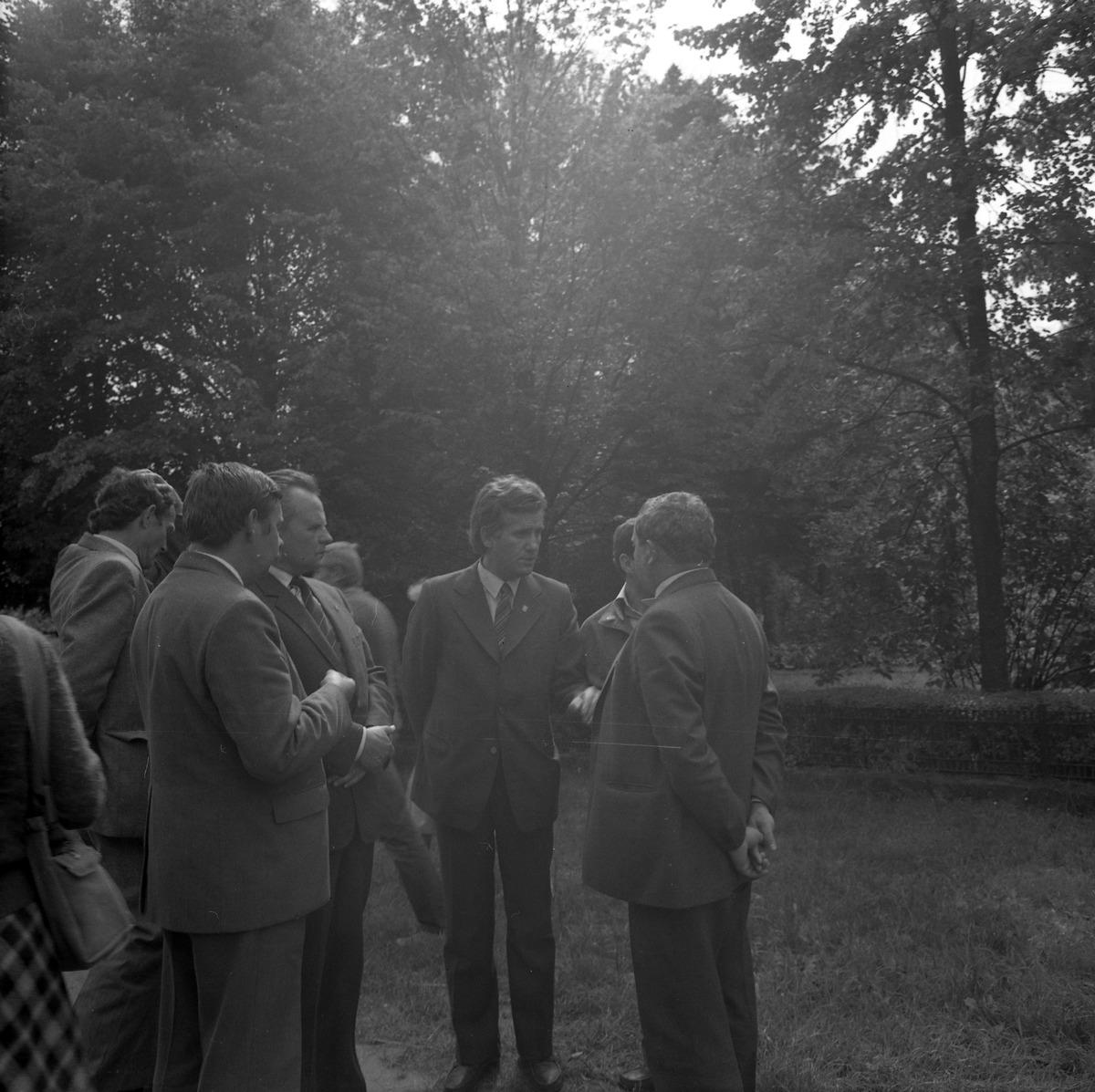 Delegacja ZSRR na cmentarzu żołnierzy radzieckich [1]