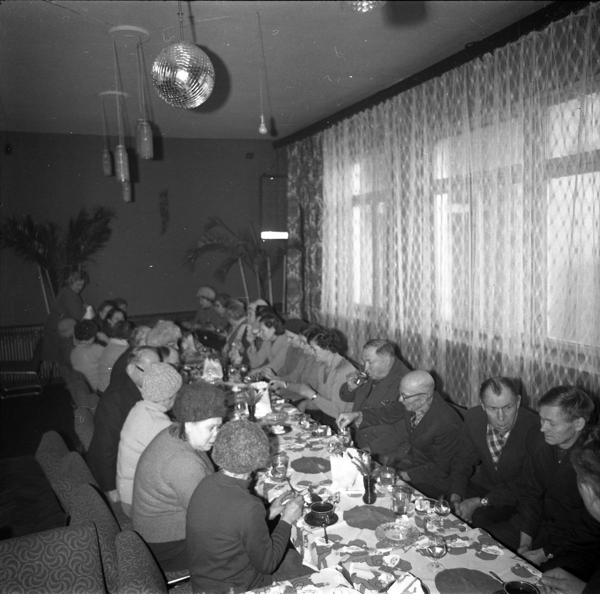 Spotkanie seniorów w kawiarni Ekran w Giżycku [2]
