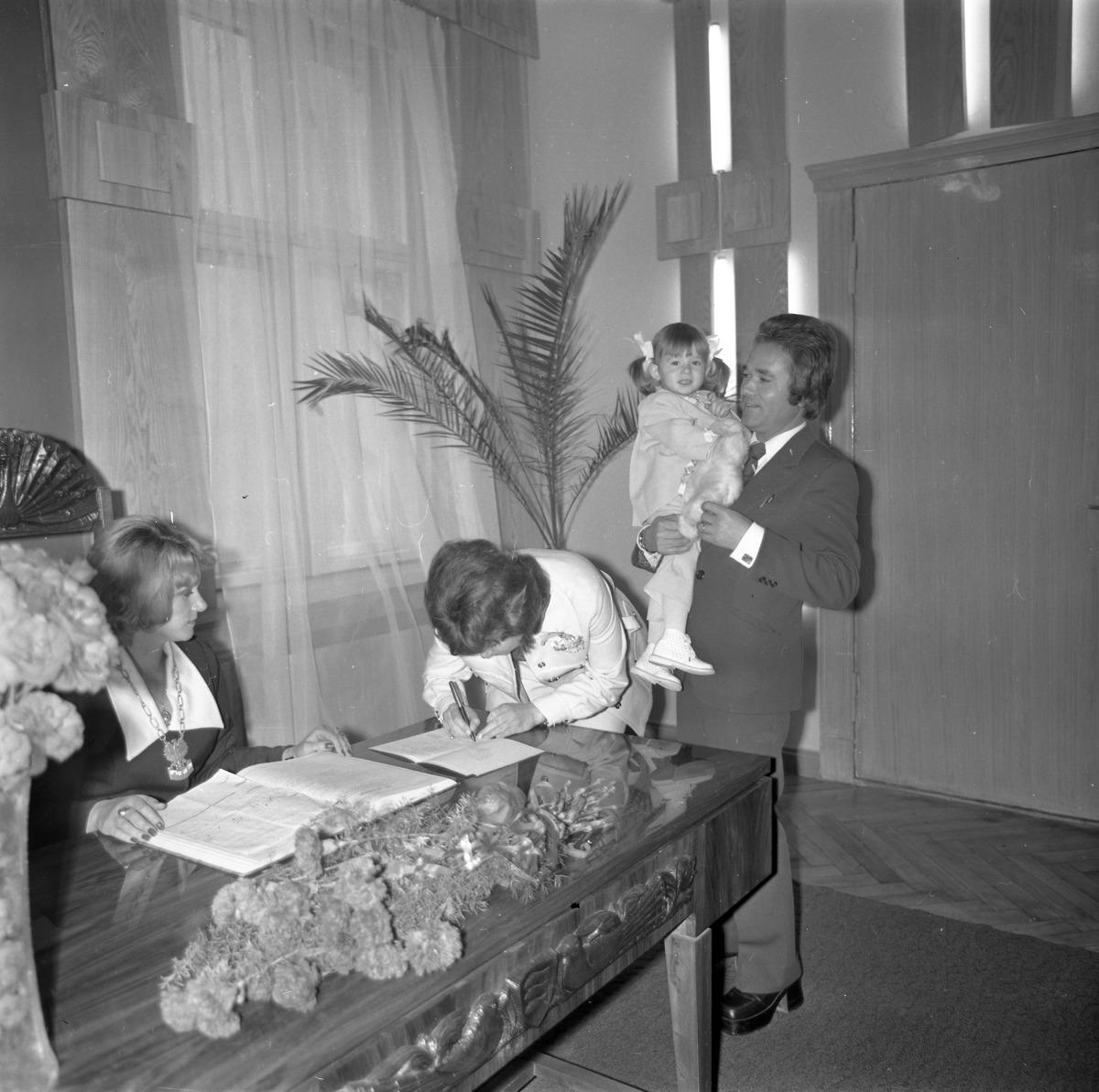 Chrzest cywilny, 1976 r. [8]