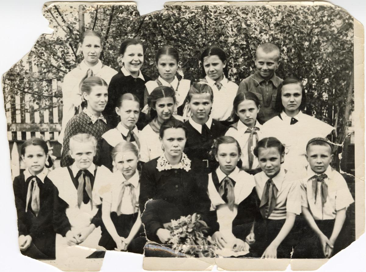 Uczniowie szkoły podstawowej w Krasnojarski