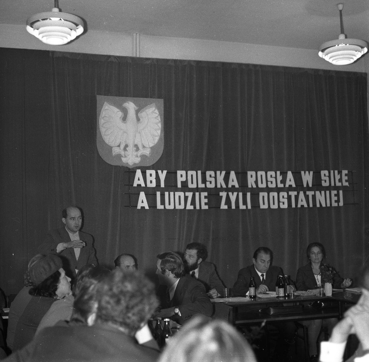 Sesja Miejskiej Rady Narodowej [6]