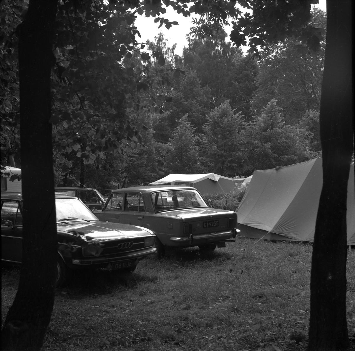 Camping przy zamku [2]