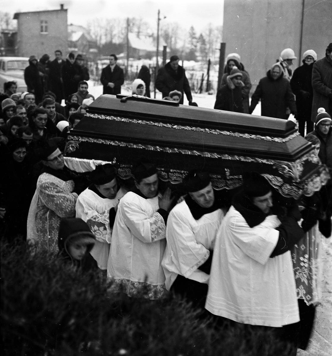 Pogrzeb ks. Władysława Dadasa, 1972 r. [3]