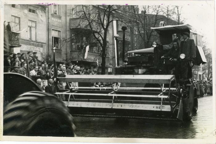 Obchody 1 maja 1954 r. [10]