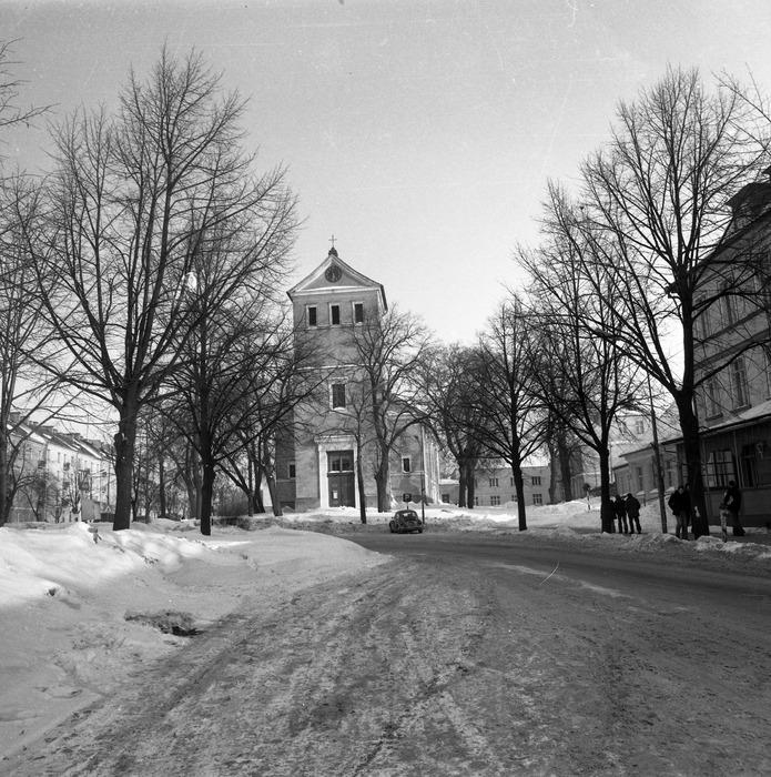 Kościół ewangelicki zimą [9]