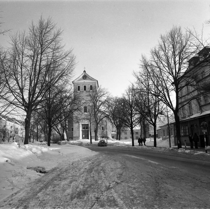 Kościół ewangelicki zimą [8]