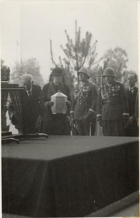 Pogrzeb serca Józefa Piłsudskiego w Wilnie [63]