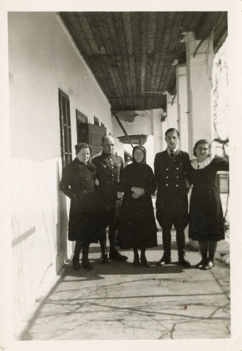 Maria Cichosz podczas internowania na Węgrzech [18]