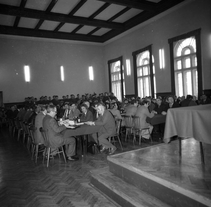 Spotkanie członków partii w LO [9]