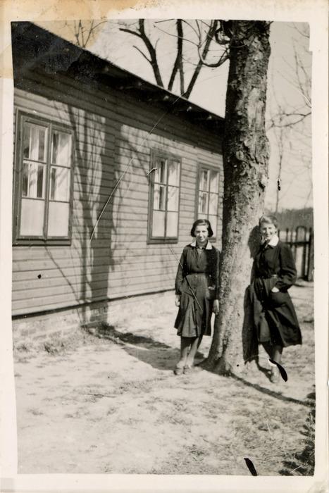 Gminna Szkoła Gospodarstwa Domowego w Wawrze, 1940 r. [14]