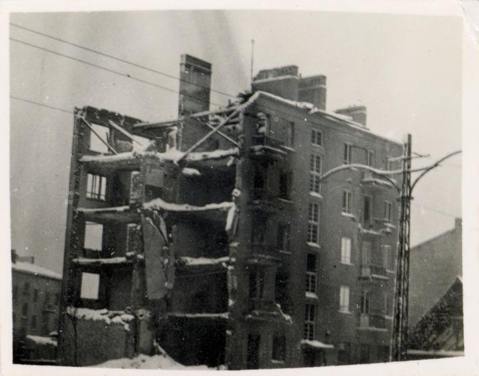 Zniszczenia wojenne w Warszawie, 1940 r. [4]
