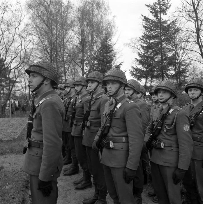 Uroczystość odsłonięcia pomnika żołnierzy radzieckich [45]