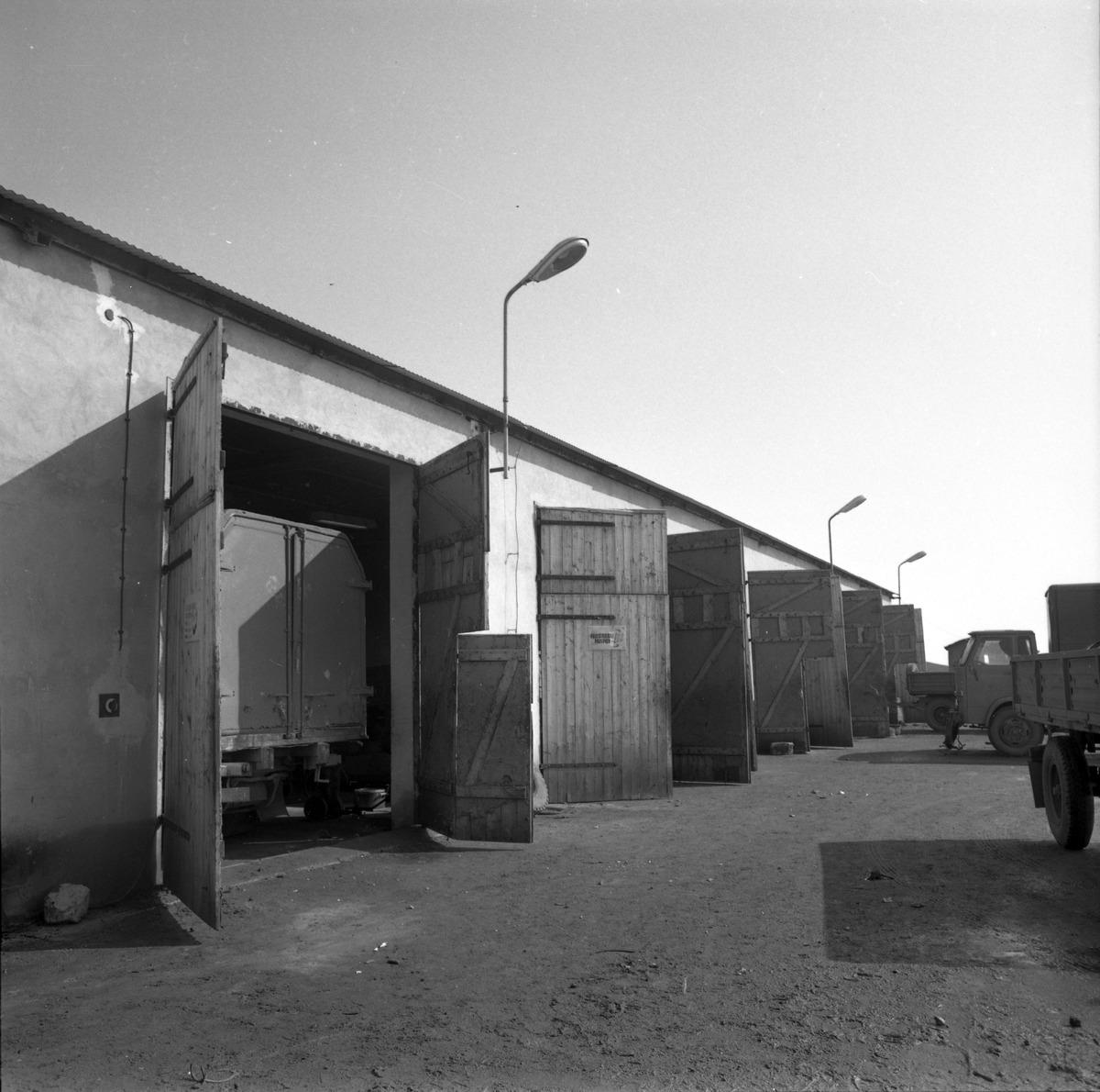Garaże bazy transportowej [1]