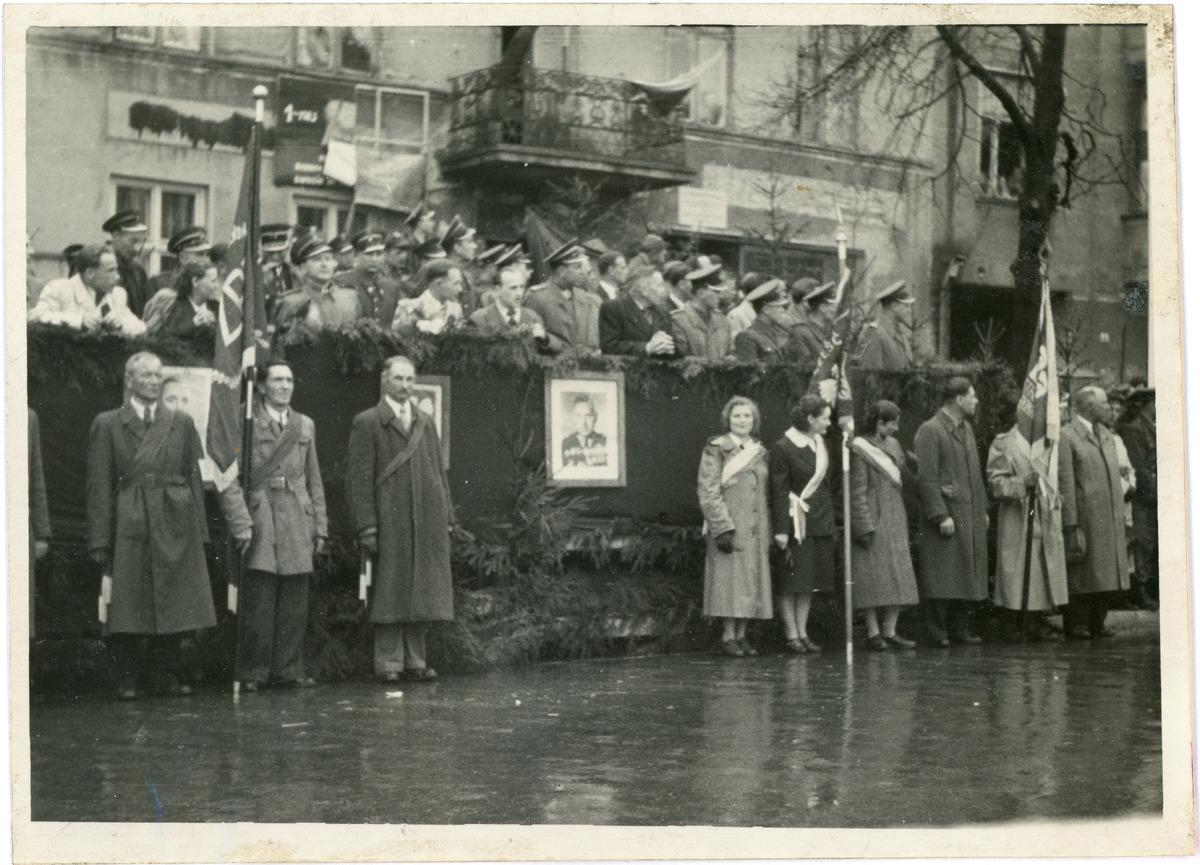 Obchody 1 maja 1954 r. [2]