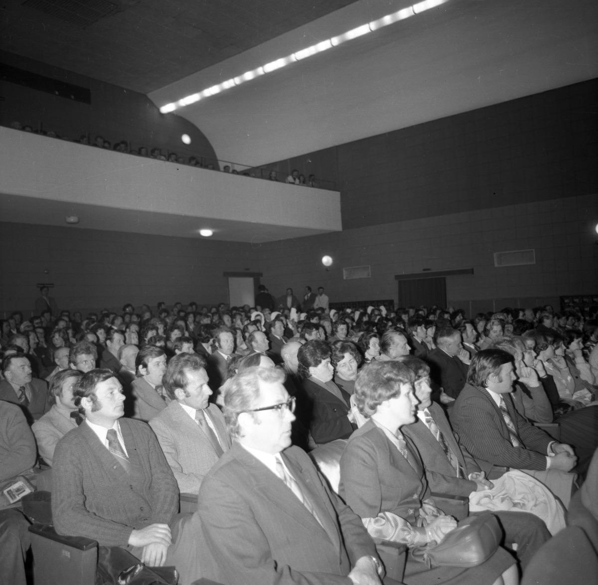 Uczestnicy uroczystości [3]