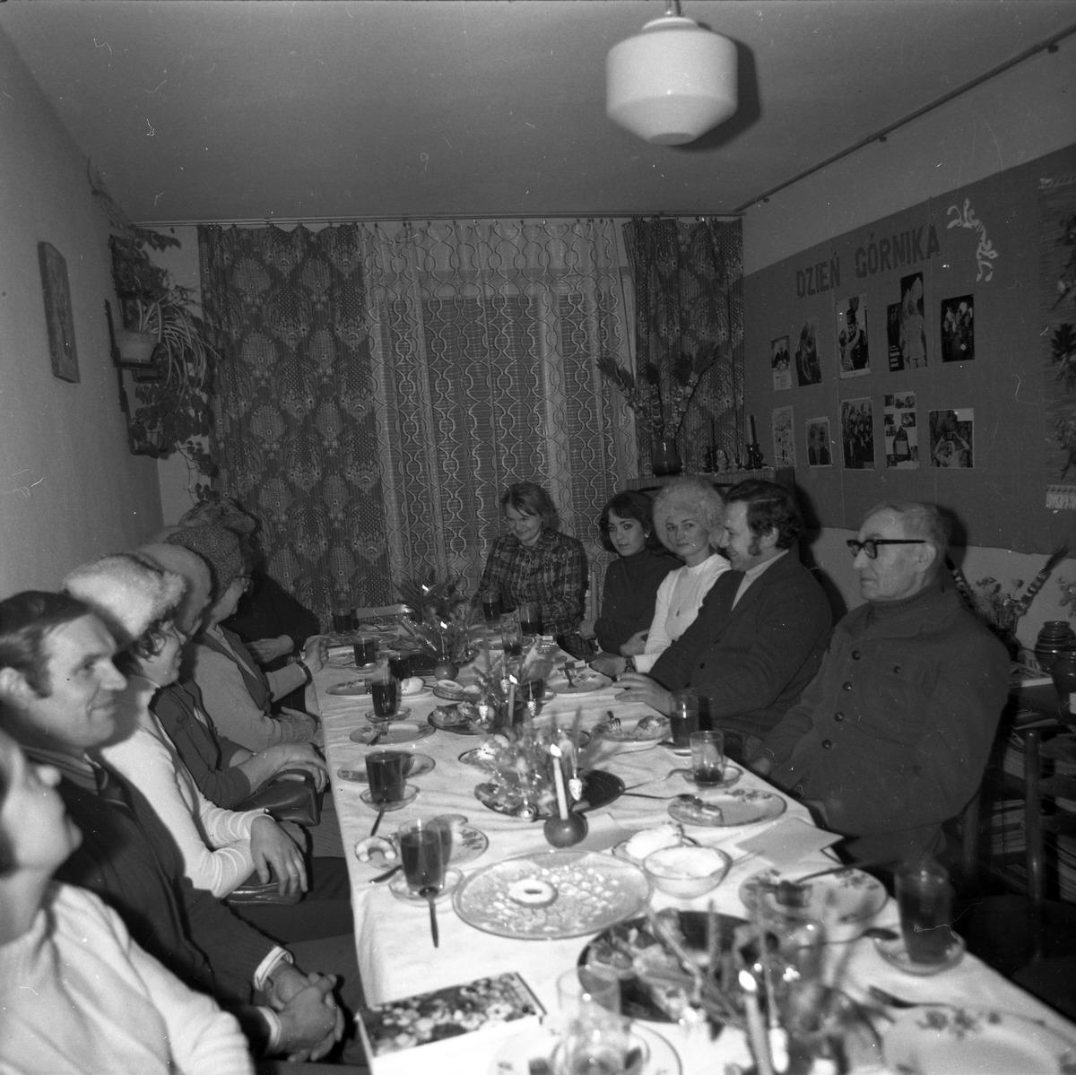 Spotkanie w klubie osiedlowym [7]
