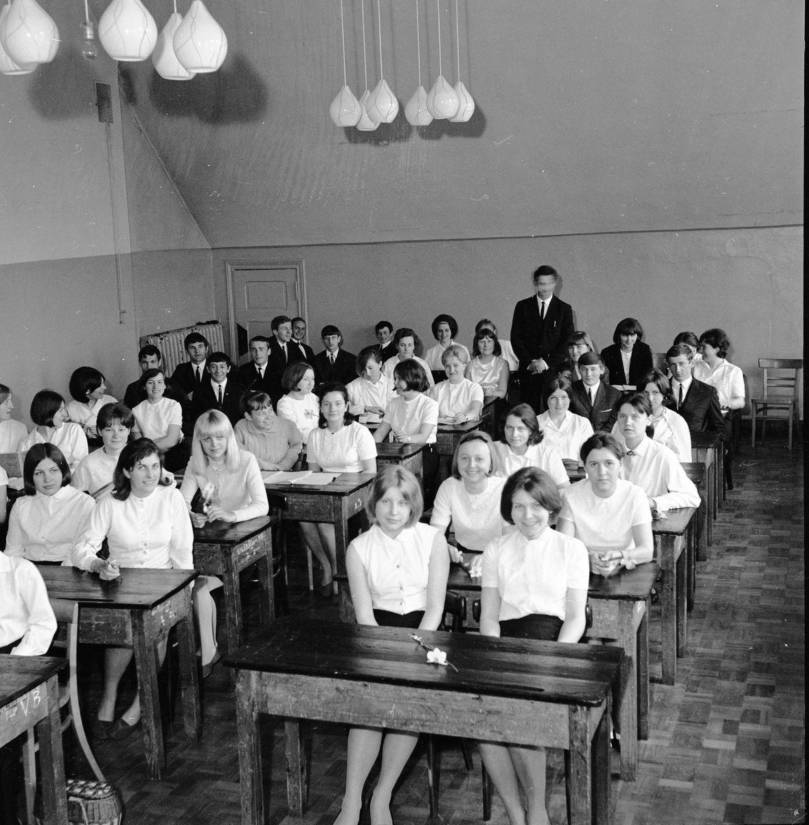 Pożegnanie maturzystów Państwowego Liceum Pedagogicznego, 1967 r.