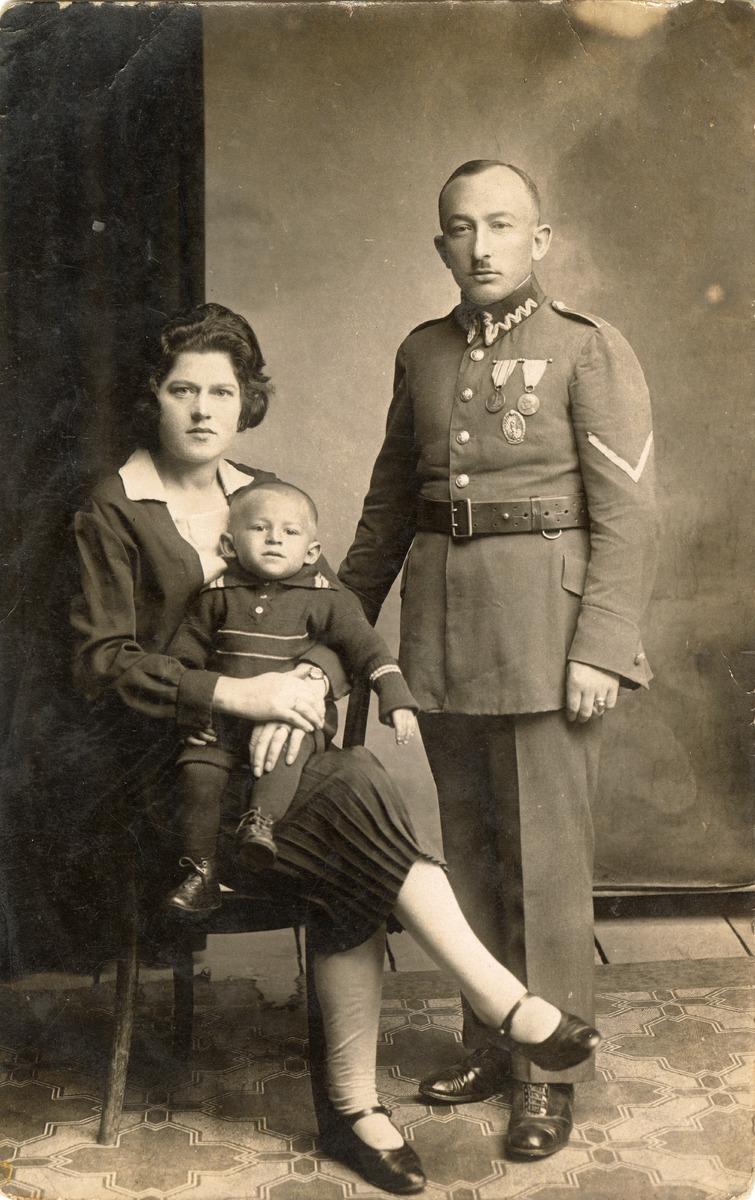 Aleksander Dembiński z rodziną [1]