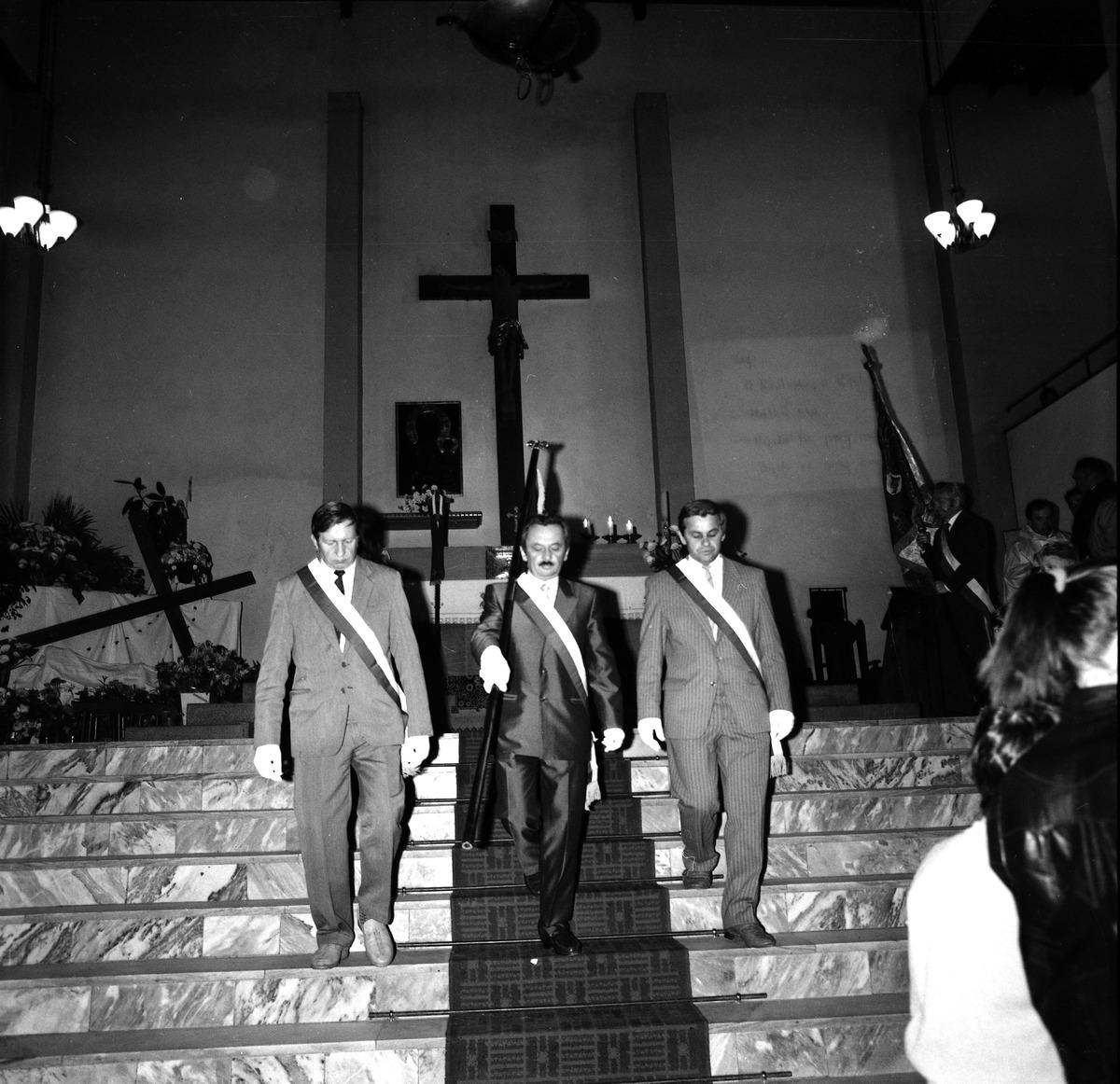 Poświęcenie sztandaru Cechu Rzemiosł Różnych, 1990 r. [6]