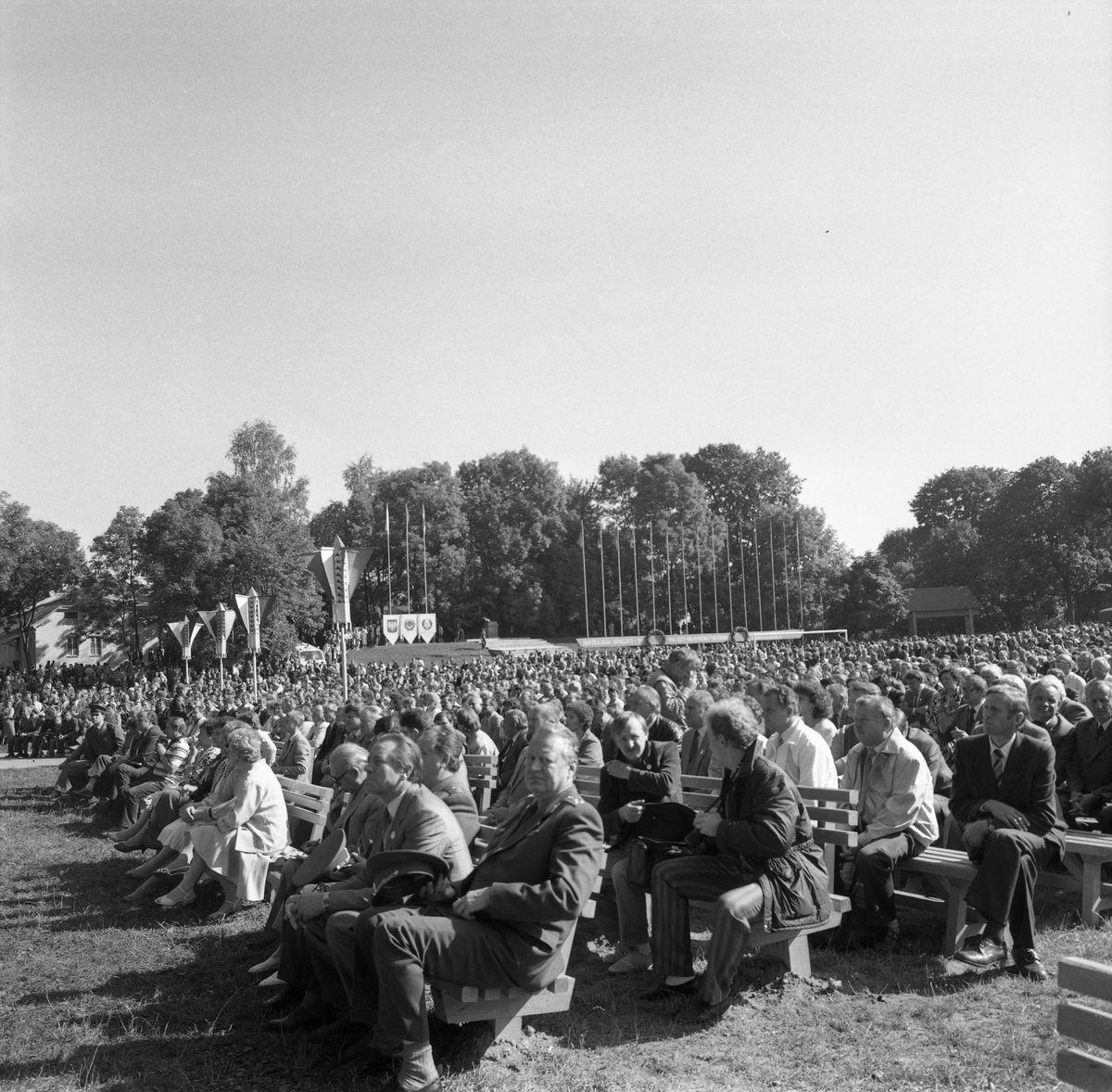 Wizyta delegacji z Giżycka w Trokach, 1987 r. [8]