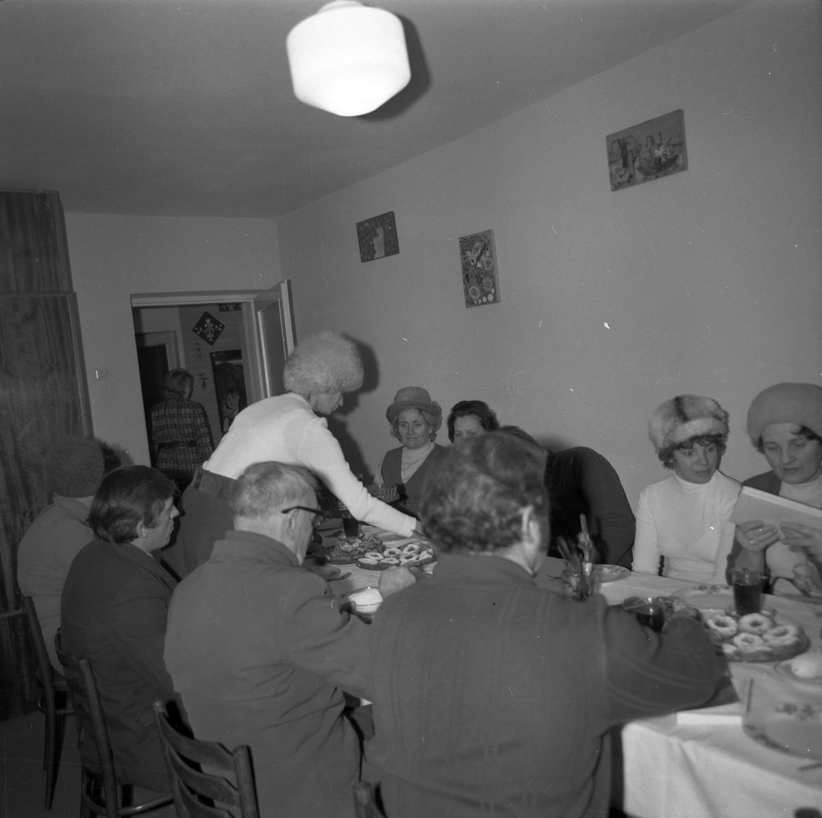 Spotkanie w klubie osiedlowym [6]
