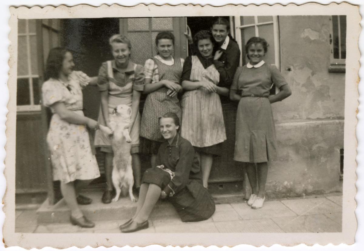 Gminna Szkoła Gospodarstwa Domowego w Wawrze, 1940 r. [3]