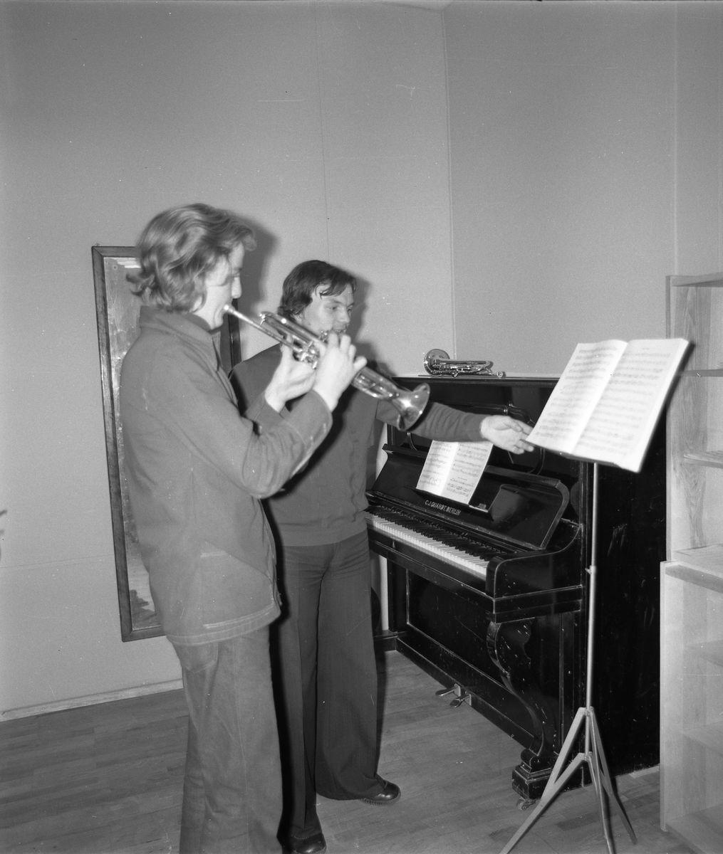 Zajęcia w szkole muzycznej [3]
