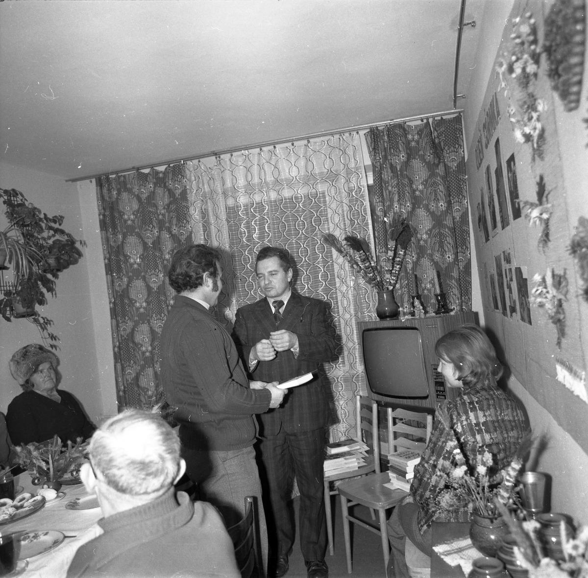 Spotkanie w klubie osiedlowym [4]