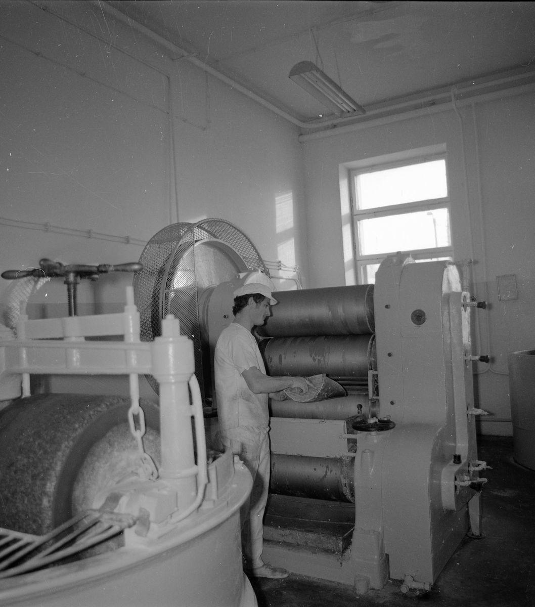 Linia produkcyjna Wytwórni Pieczywa Cukierniczego