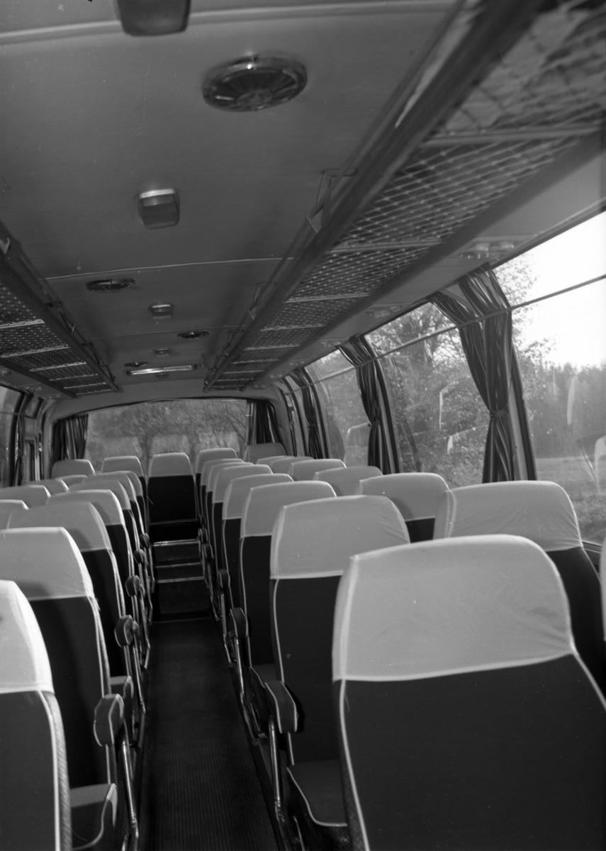 Wnętrze autobusu. [4]