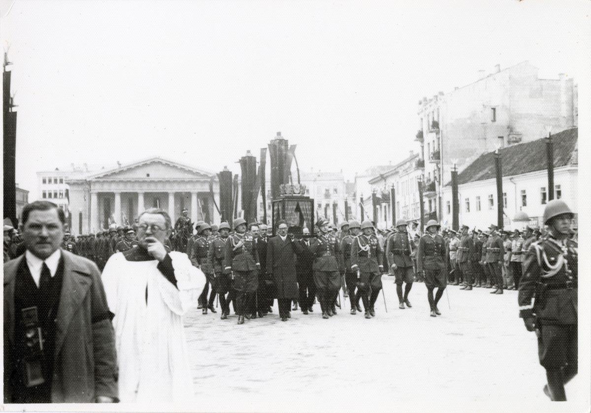 Pogrzeb serca Józefa Piłsudskiego w Wilnie
