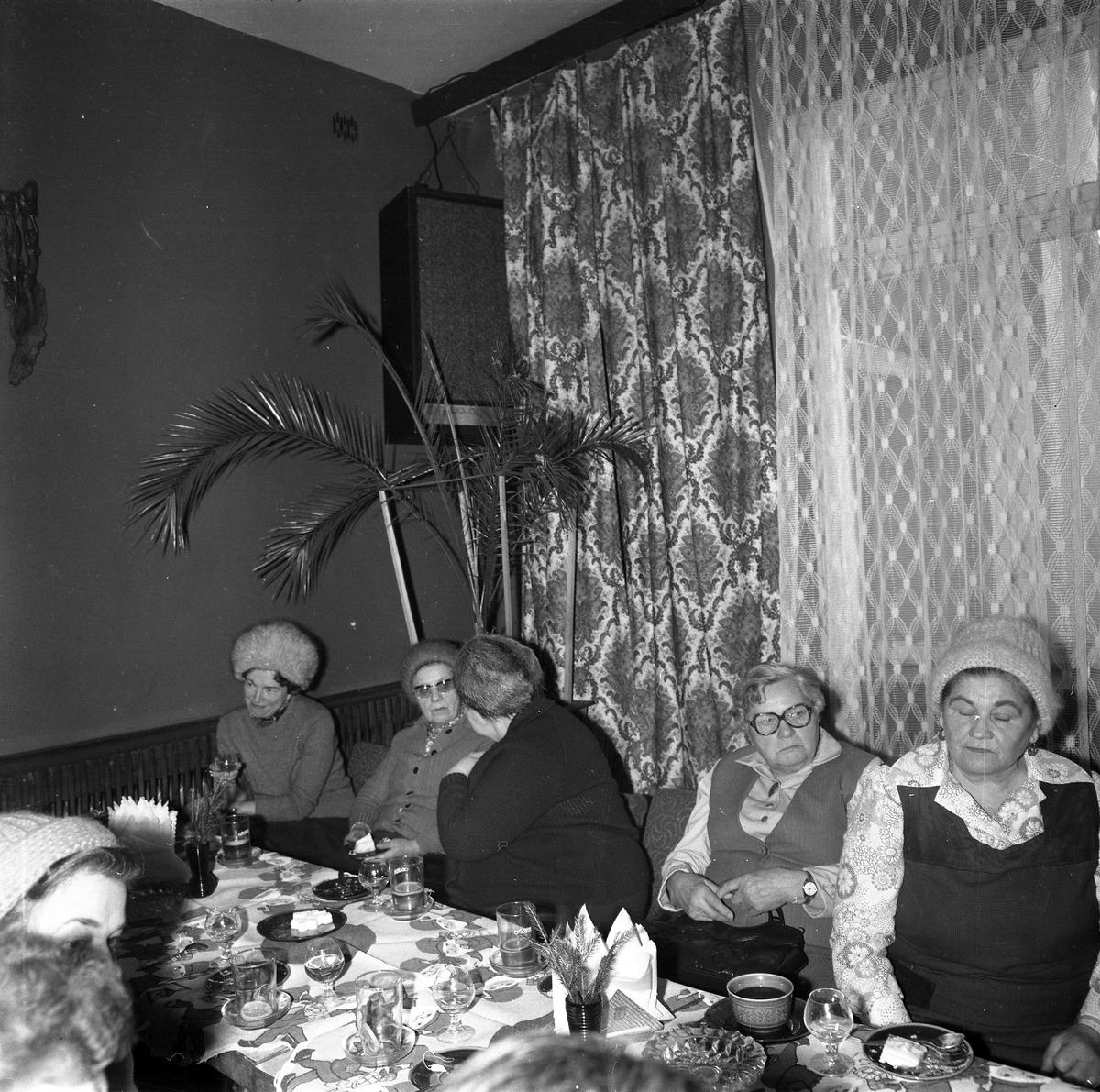 Spotkanie seniorów w kawiarni Ekran w Giżycku [5]