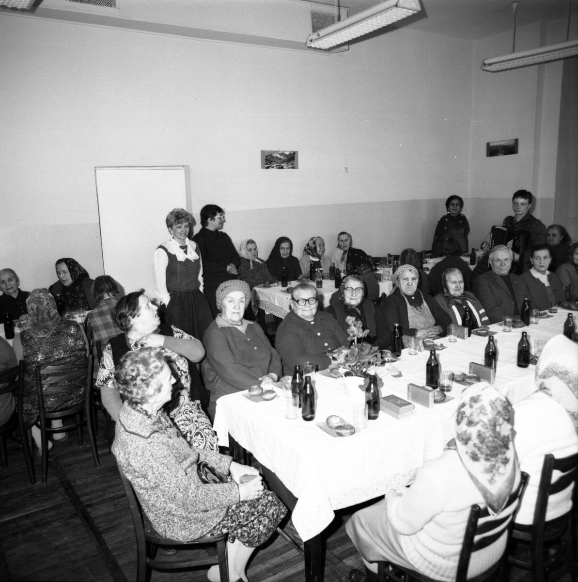 Obchody Dnia Seniora, 1986 r. [8]