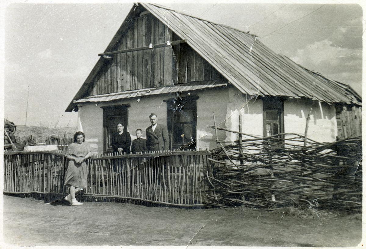 Dom Juchniewiczów w Janowie na Syberii