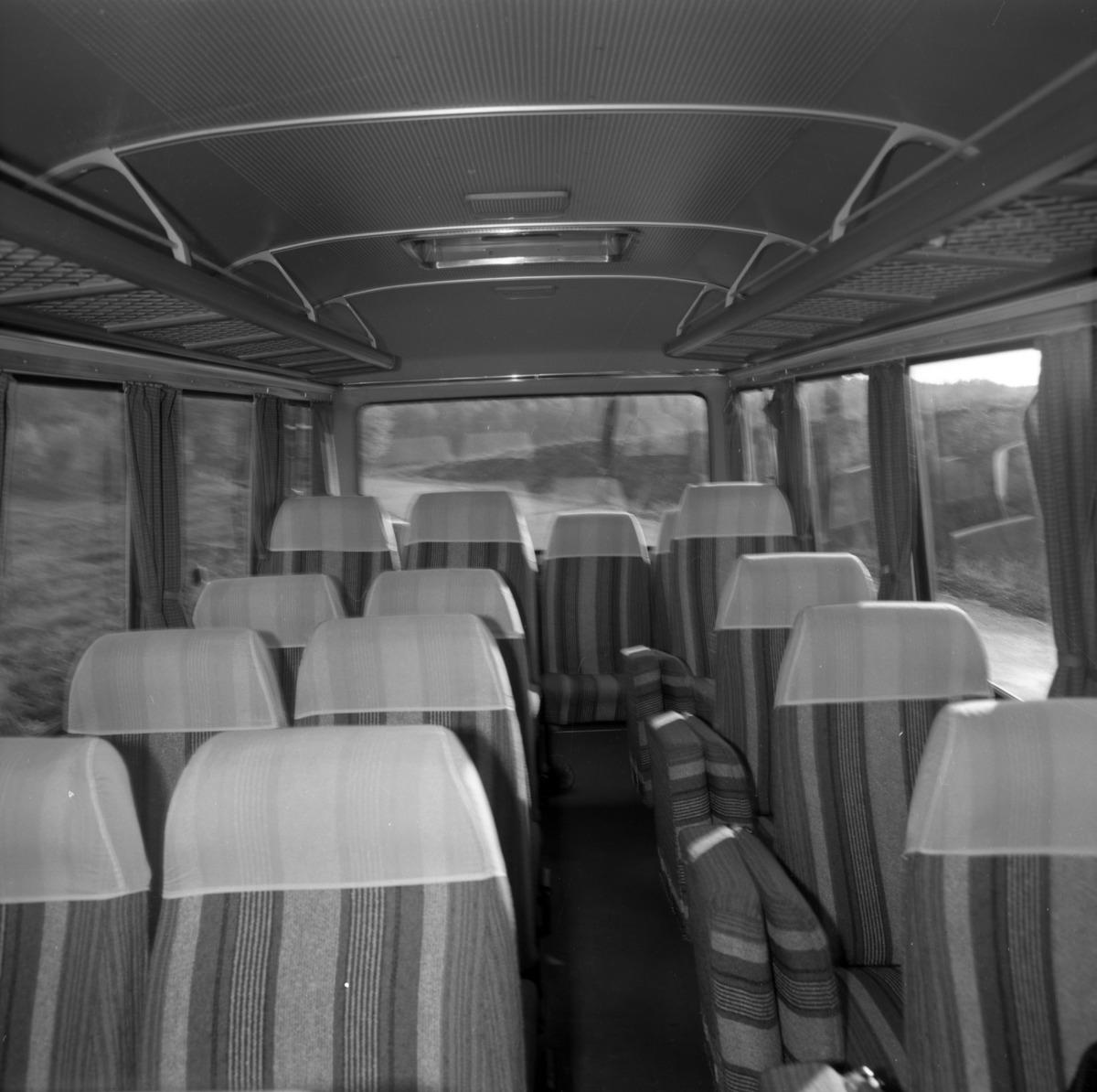 Wnętrze autobusu. [1]