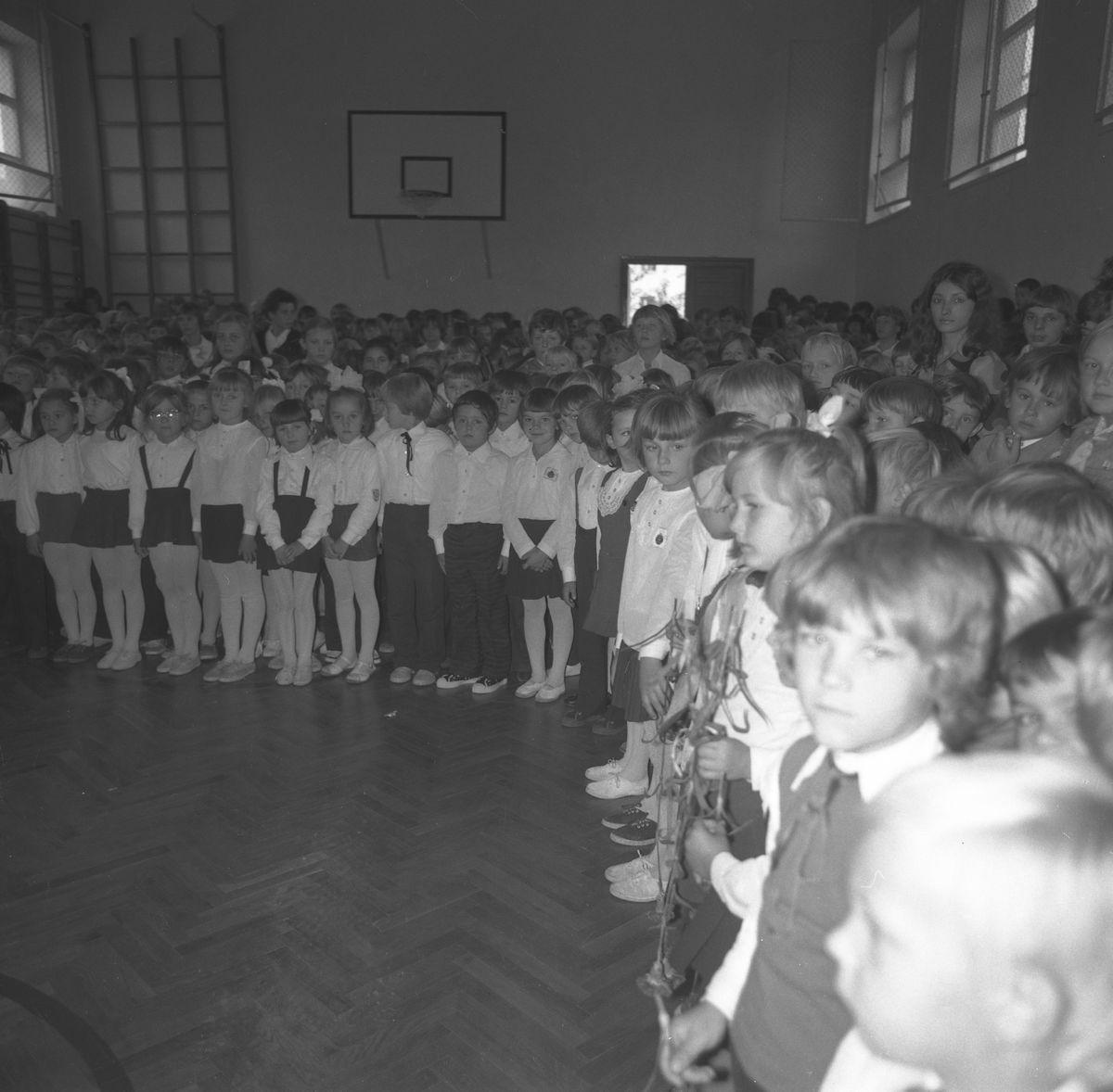 Święto Szkoły w SP nr 4, 1975 r. [2]