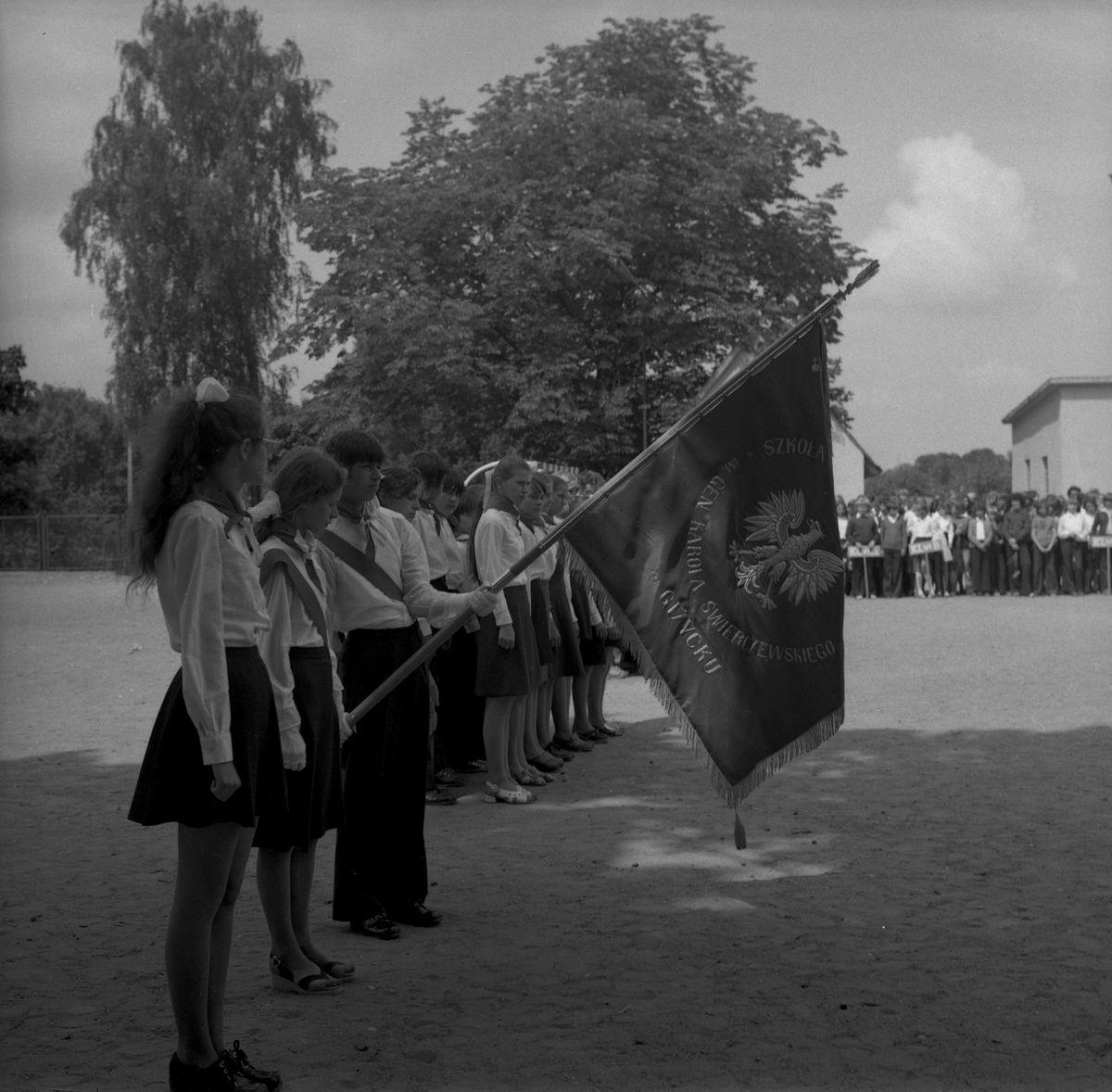 Zakończenie roku w SP nr 2, 1975 r. [1]